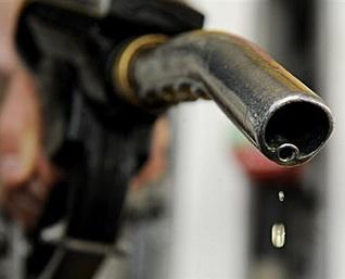 台湾半个月内三降油价 每升降3毛