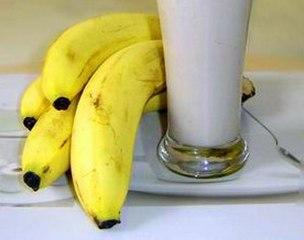牛奶配香蕉润肠通便