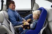 儿童安全坐椅使用率偏低 提升儿童乘车安全需多方合力