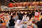 香港书展平日只在扉页上见到的名作家多来此签售