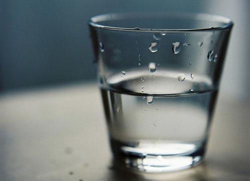 头晕清晨夜间要补水