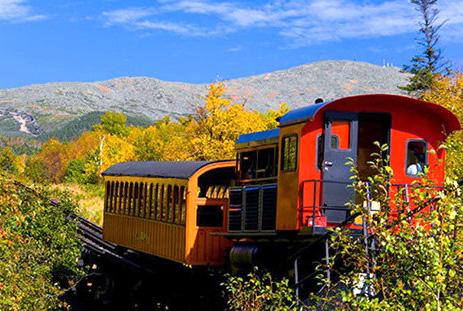 火车上的北美风景 宁静之中细品秋叶美景