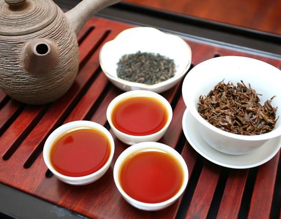 """假期谨防""""假日心脏病""""  红茶绿茶可作保健首选"""
