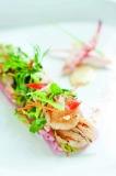 海鲜沙拉配鱼子啫喱冻 有机健康自助午餐的主打菜