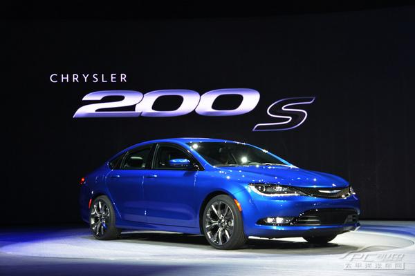 2014北美车展:克莱斯勒200入门轿车发布
