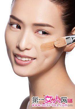 肌肤变白的美妆技巧 黑皮肤也能变白皙