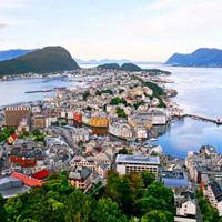在游轮上发现纯净世界里的挪威