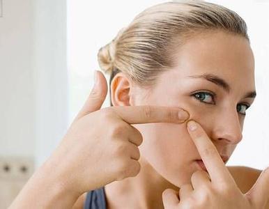 牙膏也能祛痘靠谱吗 听听医生的说法