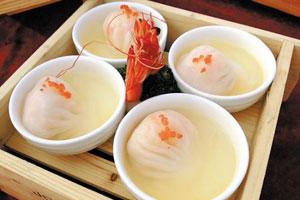 粤式蒸虾饺与汤虾饺之间的暗战