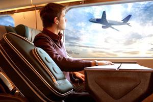 坐飞机旅行 方寸间锻炼一样能行
