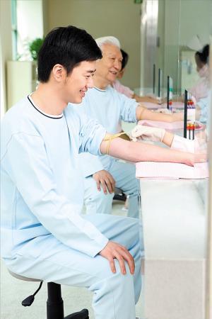 中年男子进入前列腺癌高发期 北上广男性更易患病