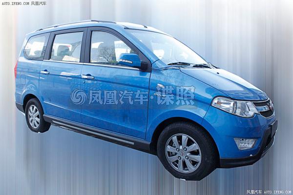 五菱宏光S自动挡谍照 预计下半年上市