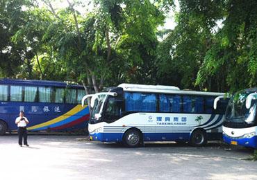 """海南旅游客运市场""""黑车""""多 放哨车跟踪迫停执法车"""