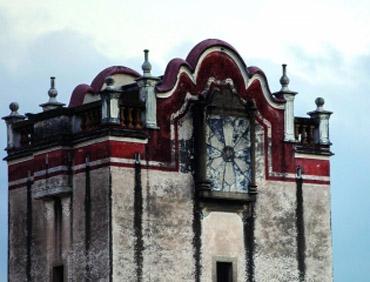 来观澜观赏百年历史的碉楼