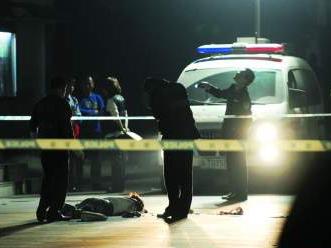 初三女生在校坠楼身亡 原因不明