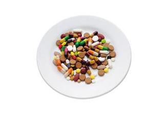 女子吃2片抗生素 全身皮肤脱落