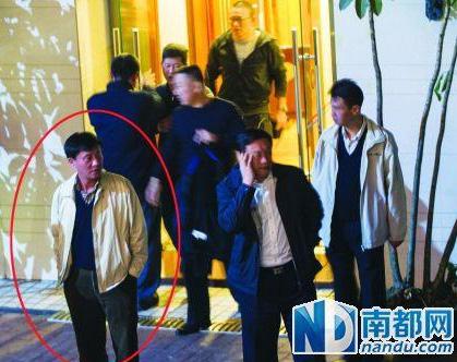 深圳官员组团吃娃娃鱼还打记者