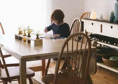 每家都该有一张万能大桌子