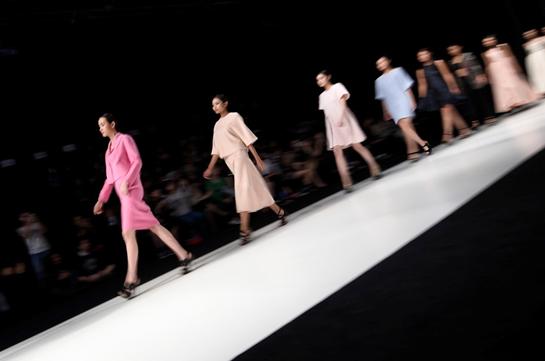 走出包豪斯  看时尚世界意外的理想时光