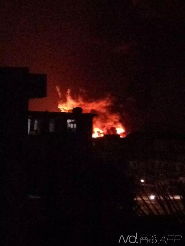 江门鹤山鞋厂大火,伴随爆炸,伤亡未明