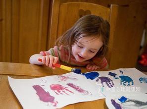 """""""带孩子来涂鸦,并不是一定要获奖"""""""