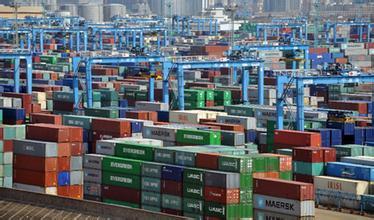 盼来人民币贬值 广东外贸企业加紧出口