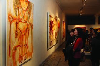 抗日战争胜利70周年中国画、雕塑作品展览开幕