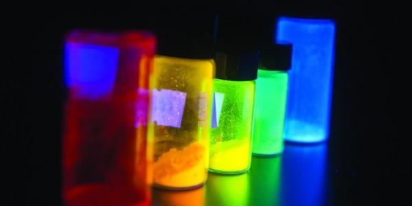"""发光的彩色""""侦探"""":帮大飞机体检 让癌细胞现形"""