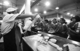 广州中小学饭堂改造 腊肠不能算荤菜