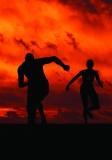 光脚跑对踝关节冲击大不一定适合你 健身应兼顾力量运动