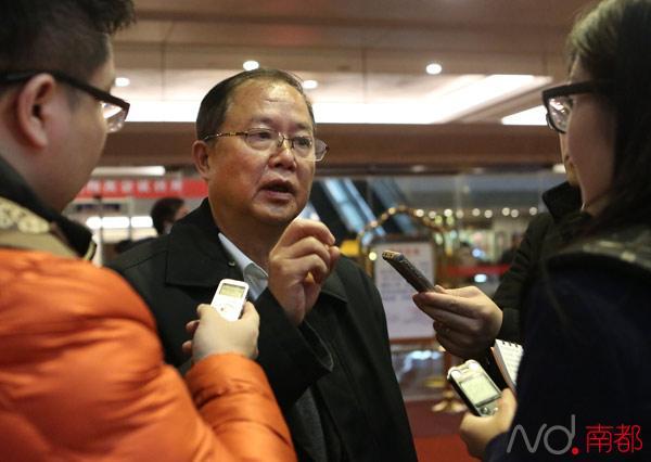 广东省交通厅厅长曾兆庚:正研制方案 年票制将逐步取消