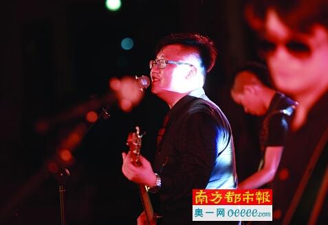 """第二届""""小草音乐节""""精彩上演"""