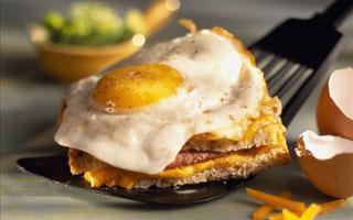 专家在线:心血管病患者也可适当吃鸡蛋