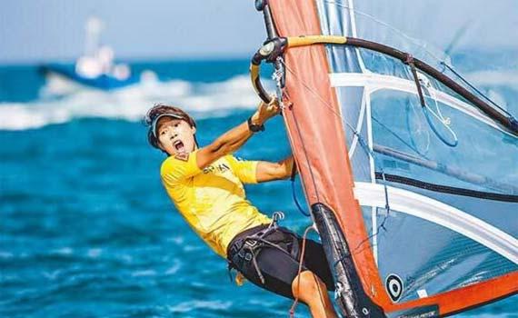 今天请关注这位深圳姑娘!盐田帆板运动员陈佩娜有望里约冲金