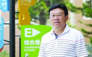 """肖江明:希望学生不做""""精致的利己主义者"""""""