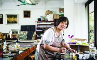 别人的弃物她的宠儿 华师教授专注漆画35年