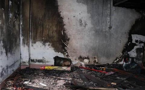 出租屋内停放电动车起火 房东被刑拘