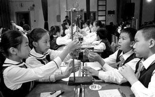 """全国900余教师观摩""""深圳最好小学"""""""