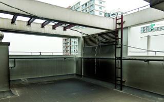 马上办 | 公租房龙海家园插座孔冒油烟 地铁集团何时整改?