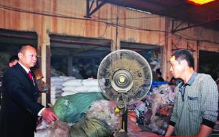 中山一塑料厂废气直排被抓现行 老板拘留15天