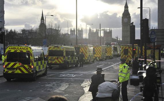 英议会大厦发生恐袭致5死约40伤