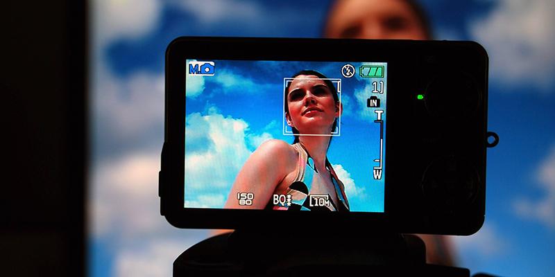 """港中大教授详解""""刷脸""""奥秘:美颜相机也用到人脸识别技术"""