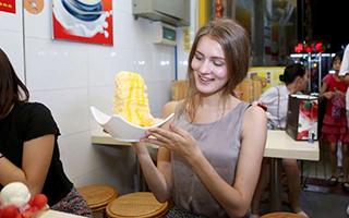 【广州深夜食堂】文明路糖水一条街,吃嘴里是甜,在心里是情
