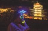 2000人荧光夜行活动在锦绣中华举行