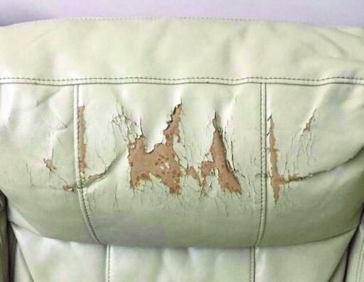 名牌沙发开裂脱皮投诉两年才有售后