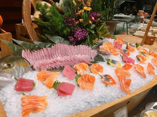 深圳中洲圣廷苑酒店开启海鲜百汇盛宴
