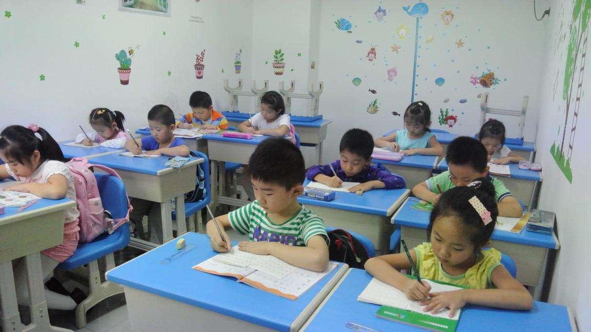 """被掏空的幼儿园大班:教育部亮剑幼儿园""""小学化"""""""