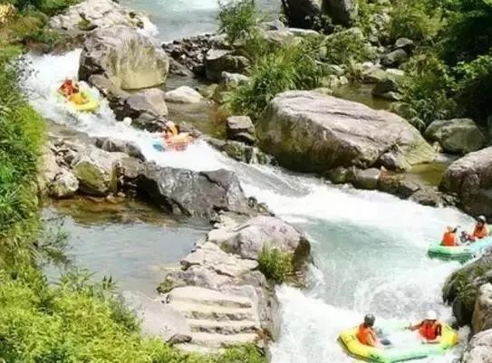 10,黄腾峡生态旅游区 位于清远市清城区,距离市区仅3.8公里.