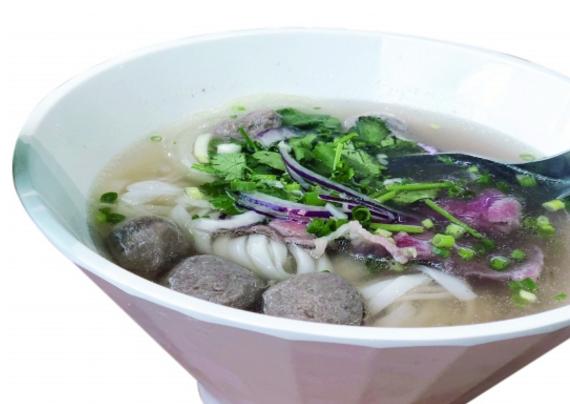 蔡澜越南粉汤头清甜 只是餐厅卡座太逼仄
