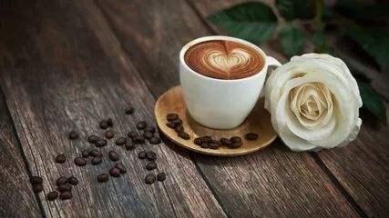 咖啡界掀外卖战!瑞幸咖啡牵手美团外卖